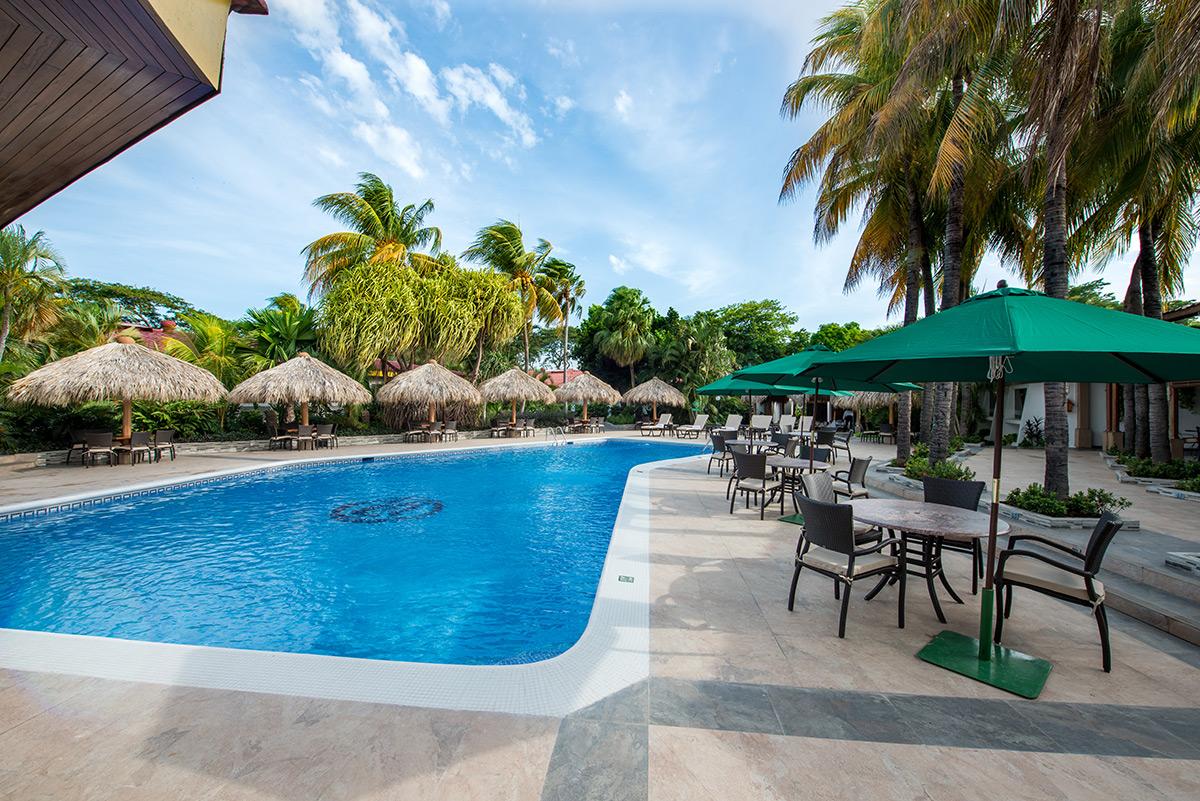 Piscina hotel camino real managua for Jr piscina granada