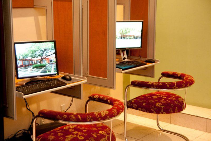 Centro de Negocios - Hoteles Globales Camino real Managua